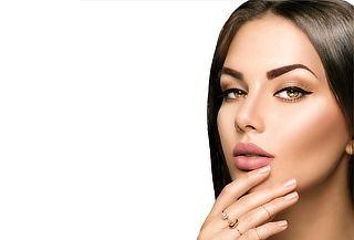 Facial rejuvenecedor con Dermapen y acido Hialurónico y más