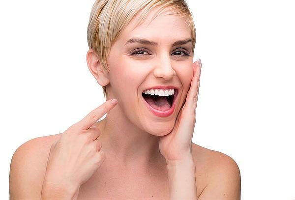 Colocación brackets de zafiro traslucido todos los dientes