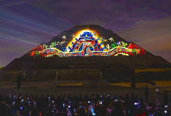 Experiencia nocturna teotihuac n bar grill ixaya Espectaculo de luz y sonido en teotihuacan