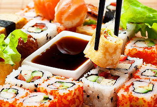 Relámpago: Buffet de Comida China y Sushi para 2+2Cervezas