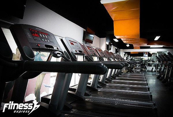 Fitness Express: 6 Meses Gimnasio + Clases ILIMITADAS