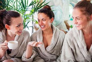 2 Horas Spa Amigas: Masajes + Facial + Vino