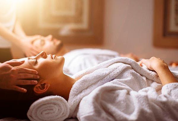 Día spa en pareja: Masaje relajante + Reflexología y más