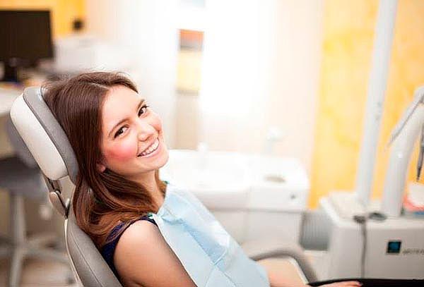 Limpieza, flúor y dos resinas para niños en Odontología WTC