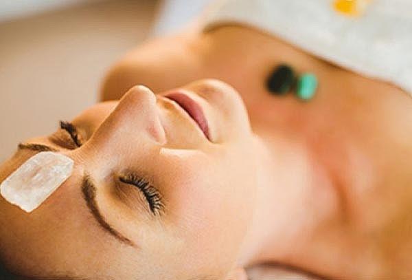 Masaje relajante con piedras de cuarzo + Aromaterapia