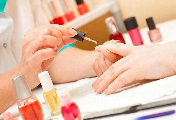 2x1 en Manicure con Gelish ¡Luce unas uñas a color!