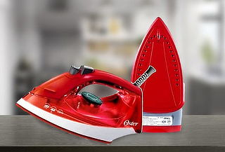 Plancha de Vapor para Ropa Marca Oster en Color Rojo