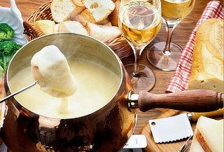 Velada con Fondue Savoyard + Appetizer + Beneficio Extra