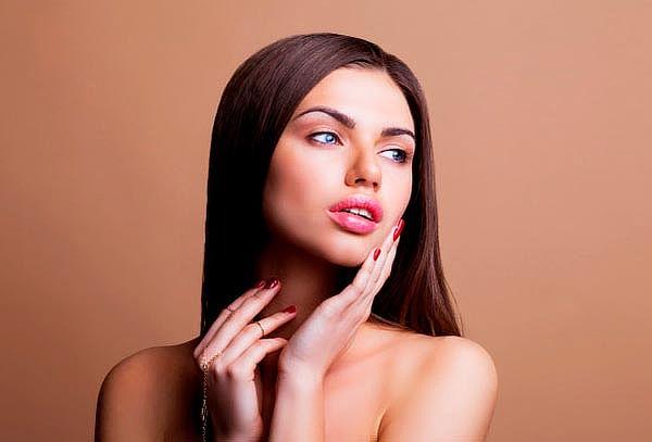 Rejuvenecimiento Facial con Hilos Tensores y Botox