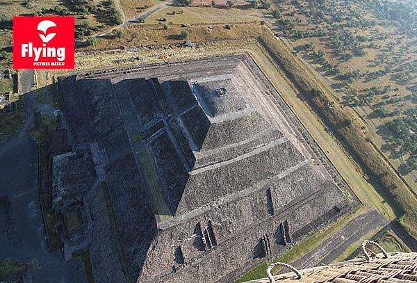 Vuelo por Teotihuacan + Brindis + Certificado y Souvenir