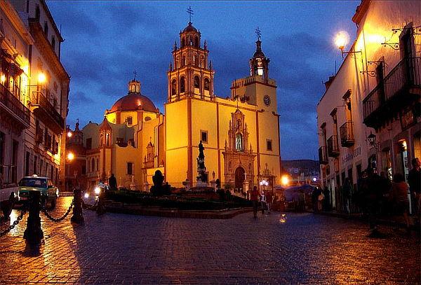 San Miguel de Allende +GTO 2D/1N + Museo de momias y más