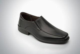 Mocasín de vestir color negro punta cuadrada