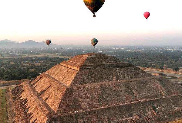 Elevación en globo en Teotihuacan +Transportación +Pirámides
