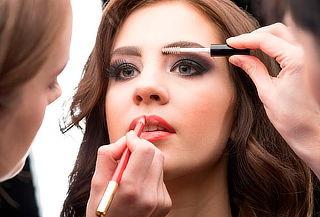 Luce Increíble con  Maquillaje profesional para tus fiestas