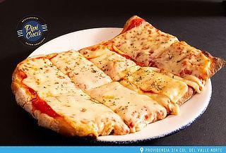 Disfruta de medio metro de Pizza  + Jarra de Clericot para 2