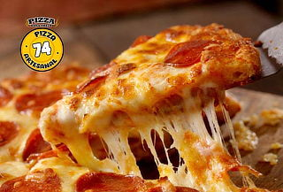 Pizza artesanal mediana de Pepperoni + Pizza de Chocolate