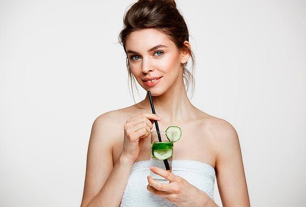 Elimina manchas y arrugas en rostro completo con láser