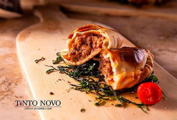 Empanada + Pasta + Copa de Vino para 1 en TINTO NOVO