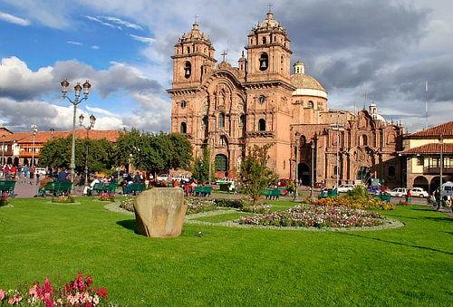Cusco y Machu Picchu: Alojamiento + Excursiones