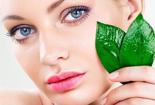 ¡Rostro de Revista! Facial con Vitamina C 80%