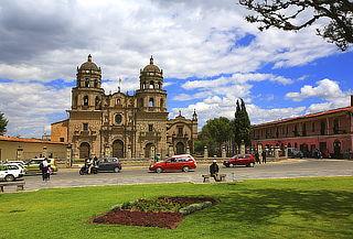 ¡Cajamarca! Alojamiento + Excursiones y Más