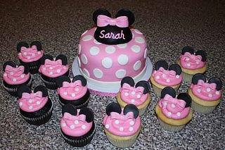 ¡Deli Delicioso! Torta Personalizada + 12 Cupcakes