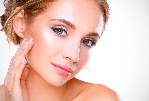 Fotorejuvenecimiento Facial con Láser Nannolight 72%