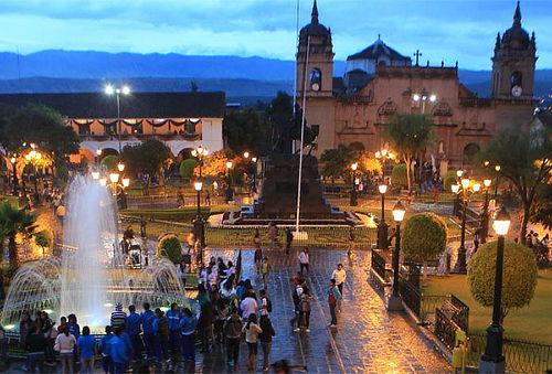 ¡Ayacucho en APEC! Para Dos con Vuelos 4D/3N y Más
