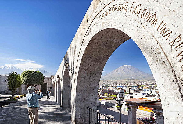 ¡Arequipa y Colca! Alojamiento + Excursiones y Más