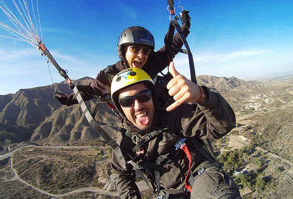 Vuela en Parapente desde el Cerro San Cristobal