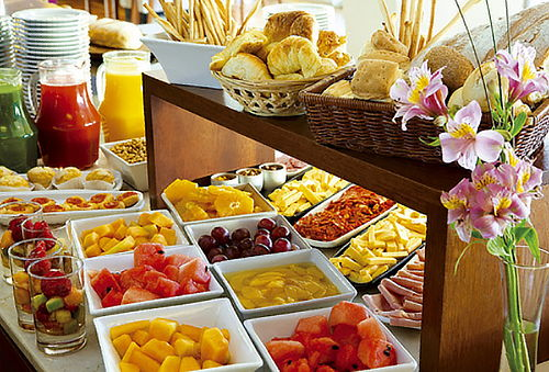 Desayuno Buffet en Restaurante Killari - Hotel Luxury Inkari