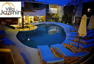 ¡Romance para 02! Habitación DOBLE DELUXE en Villa Jazmín