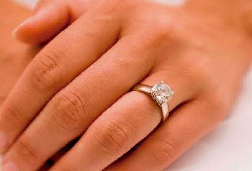 ¡Un Diamante es para Siempre! Anillo de Compromiso