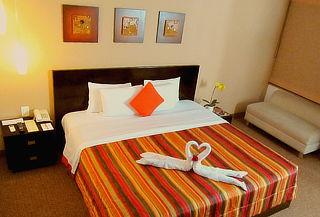 ¡Noche Romántica! HABITAT HOTEL - Miraflores