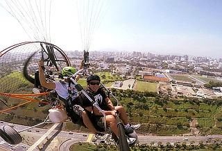 Vuelo en Parapente en la Costa Verde + Video en Full HD