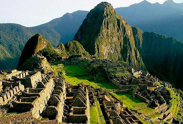 Expulsaron a 2 argentinos por quedarse a dormir en el Machu Picchu.
