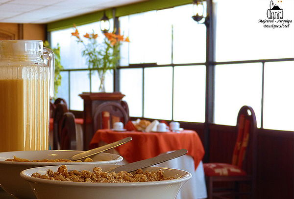 1, 2 o 3 Noches + Desayuno Buffet + Welcome Drink - Arequipa