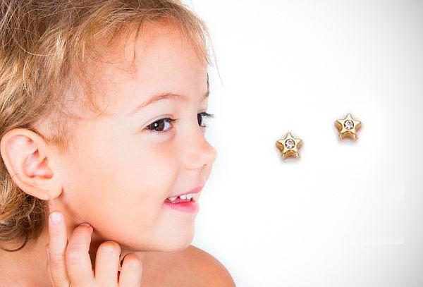 ¡Detallitos! Aretes de Oro de 18k con Diamante