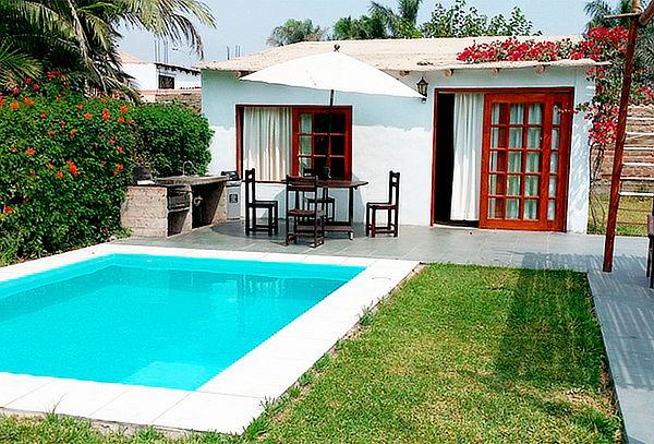 Villa loka bungalows cieneguilla para 02 con piscina for Vacaciones en villas con piscina