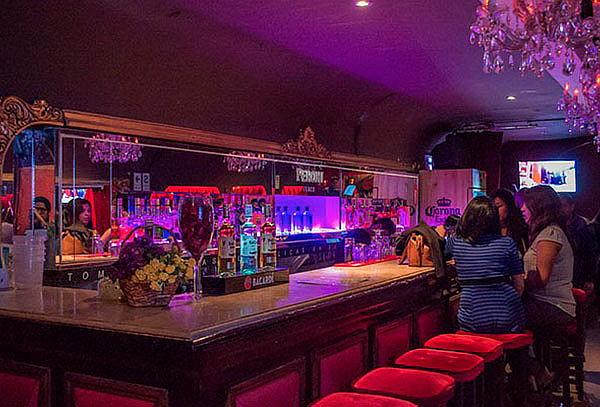 ¡After Office! 2 Bebidas a Elección + Piqueos en Rouge Bar