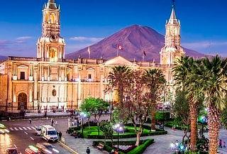 4D/3N: 2 Noches Arequipa + 1 Noche en el Colca y Más