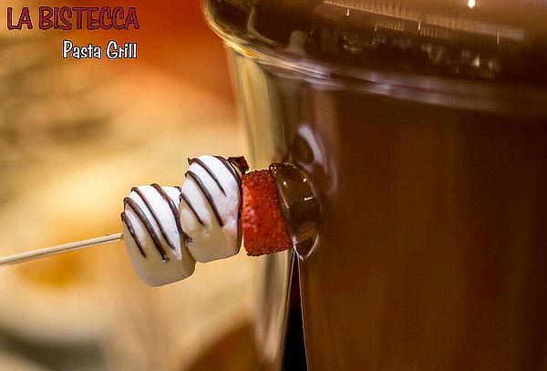 ¡LA BISTECCA! Almuerzo o Cena +Fuente de Chocolate + Ice Tea