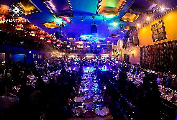 BUFFET + Bebida + Show en La Dama Juana ¡Fines de Semana!