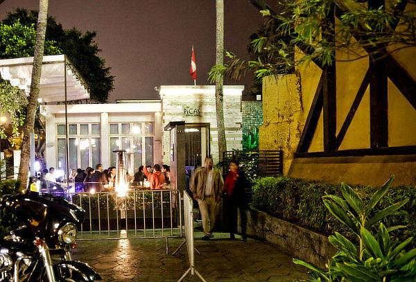 2 CUBA LIBRE + CHICHARRON DE POLLO  EN PICAS BAR