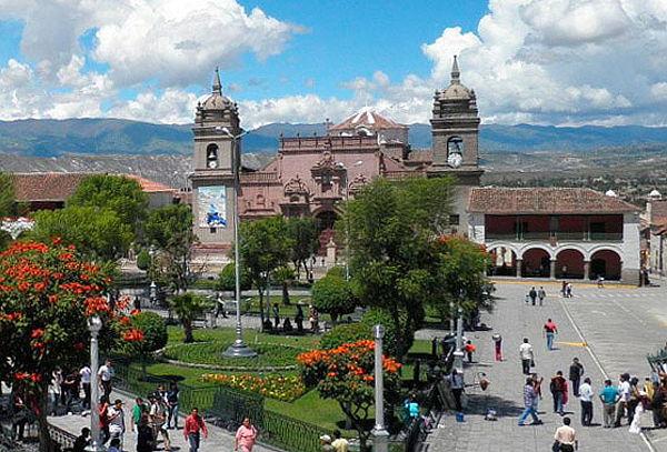 ¡Ayacucho + Ida/Vuelta + Tours y más por Semana Santa!