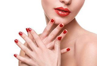 ¡Luce unas manos Hermosas! Manicure Express + Cóctel