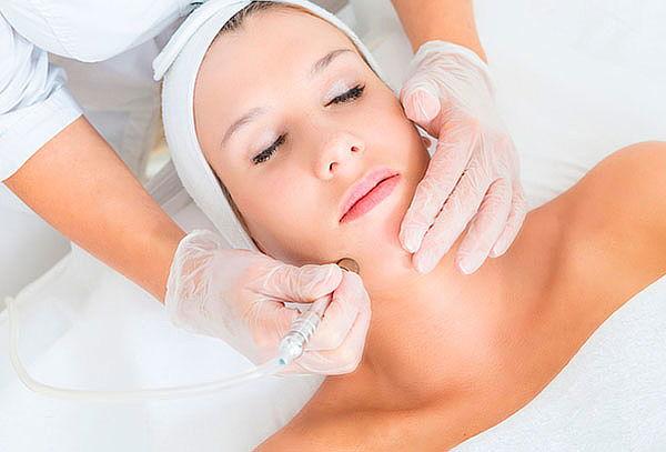 Aplicación de Toxina Butolínica + Rejuvenecimiento Facial