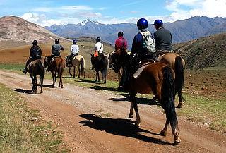 Cabalgata Alrededores de Cusco con Perú Leisure Travel