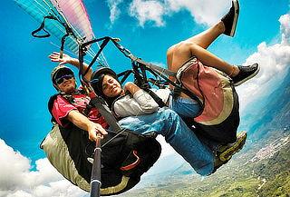¡Adrenalina Máxima! Full Parapente con Transporte Ida y Más