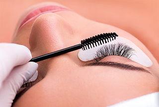 Lifting de Pestañas + Manicure Express y Más - Glamour Salón